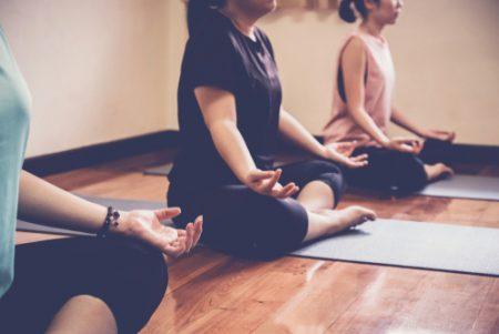 精神統一できる!ヨガの瞑想・呼吸・ポーズで心地よいメンタルを作ろう