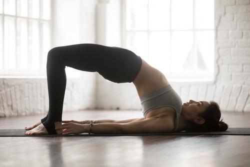 「腰痛」に効くヨガポーズ特集!短時間でできる腰痛改善方法をご紹介します