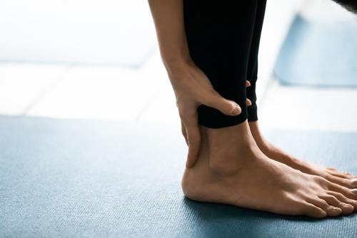 足首が柔らかいとメリットがたくさん!ヨガで柔軟性アップを目指そう!