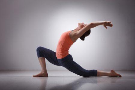 股関節の可動域を広げて、ヨガのポーズをもっと深めよう