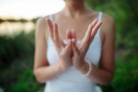 ヨガと関係の深いアーユルヴェーダ!2つのアプローチで心身の健康を維持しよう