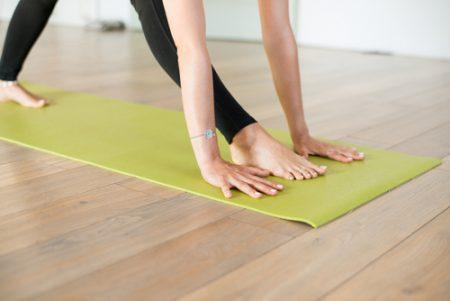 足の長さが違う!?簡単ストレッチ&ヨガで体の歪みを整えよう!