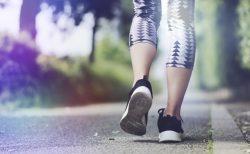 歩行瞑想で不安やストレス解消!日常でもできるながら瞑想のやり方とは?